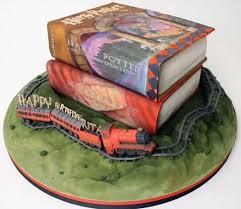 bookish cake 4